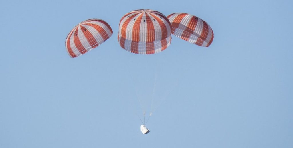 SpaceX Announces Development On Private Crew Parachute Testing