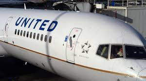 United Airlines buys flight-training academy to speed up the hiring of 10,000 pilots